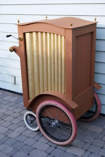 Barrel organ from Mary Poppins